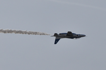 111130blueimpulse16l